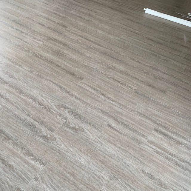 luxury-vinyl-plank-05