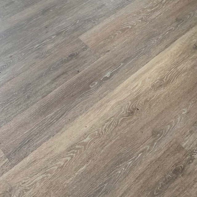 https://buffalosbestflooring.com/wp-content/uploads/2020/06/luxury-vinyl-plank-640x640.jpg